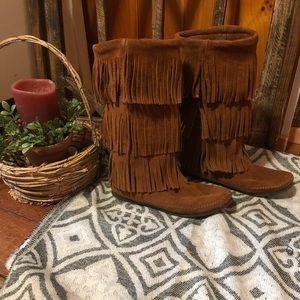 Minnetonka tall fringe boots size 8